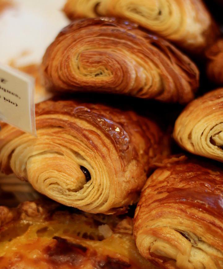 푸드_파리지앵들의 달콤한 아침, 팽 오 쇼콜라 맛보기 이미지