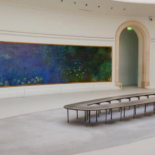 오랑주리 미술관에 꽃 피운 모네의 '수련' 감상하기