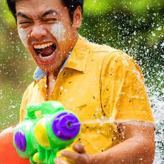 무더운 여름을 식히는 '송끄란 물싸움 축제' 즐기기