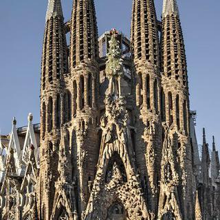 괴이하고 아름다운, 바르셀로나에서 '가우디' 건축 투어 감상하기