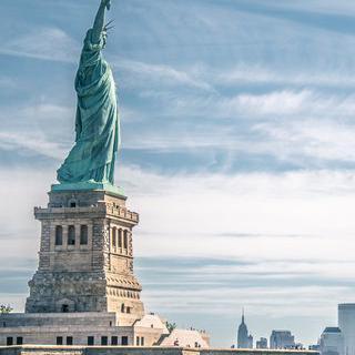 페리 타고 만나는 뉴욕의 랜드마크, 자유의 여신상 감상하기