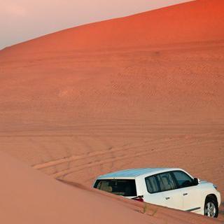 모래만 남은 바다, 광활한 백사막에서 사륜구동차로 질주하기