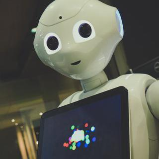 소프트뱅크 페퍼 로봇과 친구 되기