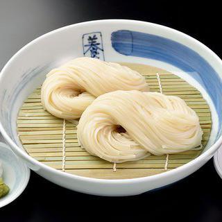 세월의 맛을 더한 일본 정통 가락국수 맛보기