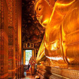 방콕 왓포 사원의 와불 보며 소원빌기