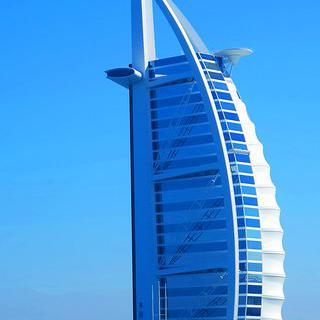 세계 최고층 빌딩 '부르즈 칼리파'를 배경으로 인생 사진 남기기