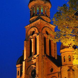한옥 마을의 상징, 경기전과 전동 성당 사잇길에서 사진 남기기