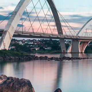 브라질에 불어넣은 생명력, 감각적인 '브라질리아' 도심 감상하기