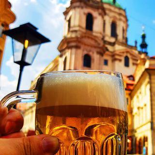 화려한 축제가 열리는 황금빛 도시 '플젠'에서 체코의 대표 맥주 마시기