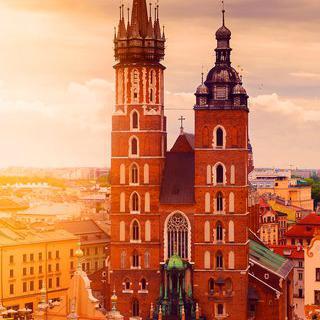 폴란드 왕실의 도시 '크라쿠프'에서 유서 깊은 거리 걸어보기