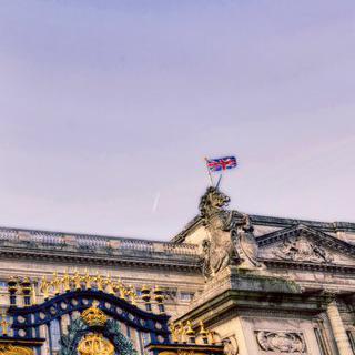 여왕의 회색 도시 '런던'에서 웅장한 궁전 돌아보기