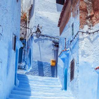 하얀 집이 쌓아올린 언덕, '탕헤르'의 해안가에서 힐링하기