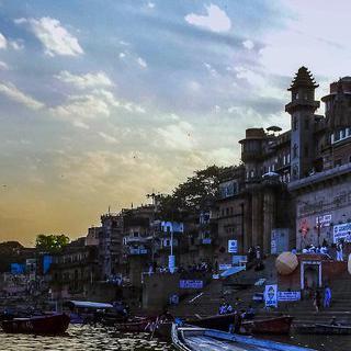 갠지스 강이 흐르는 성지, '바라나시'에서 인도 문화 경험하기