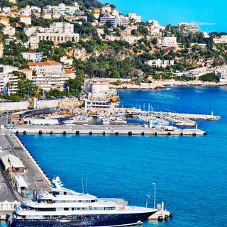 지중해와 프랑스가 만나는 작은 도시, 니스의 해변에서 힐링하기