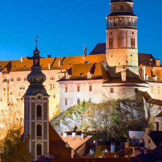 평화롭고 아름다운 문화유산의 마을, '체스키크룸로프'의 야경 감상하기