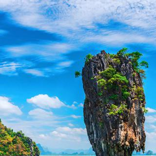 태국의 대표 휴양지, 푸껫에서 해양 레저 스포츠 즐기기