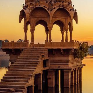 석양으로 물드는 아름다운 성벽, '자이살메르'의 요새 감상하기