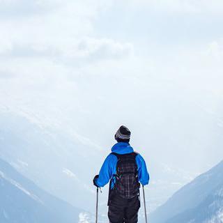 알프스산맥의 만년설 바라보며 짜릿한 겨울 스포츠 즐기기