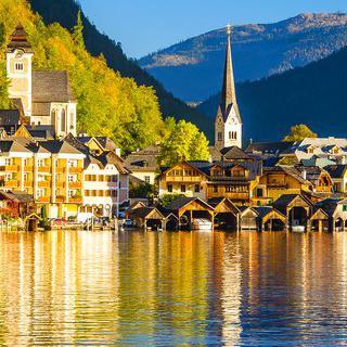 오스트리아의 진주, 할슈타트에 펼쳐진 그림같은 호수 산책하기