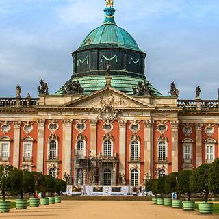 황제의 도시 '포츠담'의 화려한 궁전 돌아보기