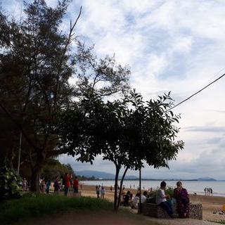 세계 3대 석양, '탄중아루 해변'에서 찬란한 일몰 감상하기