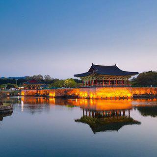 달의 연못에 빠진 궁궐, '동궁과 월지'에서 야경 감상하기