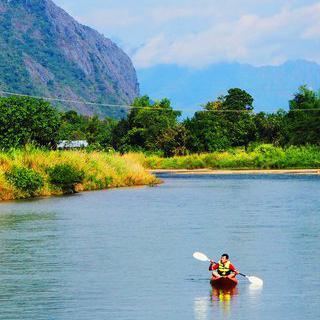 자연이 주는 즐거움, '방비엥'의 수상 액티비티 즐기기