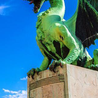 낭만이 흐르는 로맨틱한 도시, '류블라냐'에서 '용의 다리' 건너기