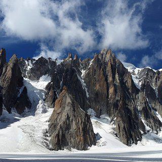 만년설로 빛나는 샤모니에서 알프스산맥 최고봉 '몽블랑' 등반하기