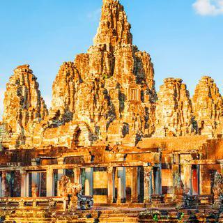 앙코르 유적 관광의 거점 도시, '씨엠립'에서 역사 유물 탐방하기