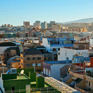 따사로운 햇살이 감싸 안은 도시, '라스팔마스'에서 일광욕하기