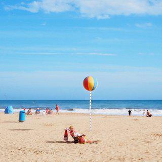 지중해의 휴양 도시, '베니도름'에서 수상 레저 스포츠 즐기기