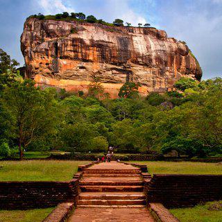 스리랑카 '담불라'의 석굴 사원 방문하기