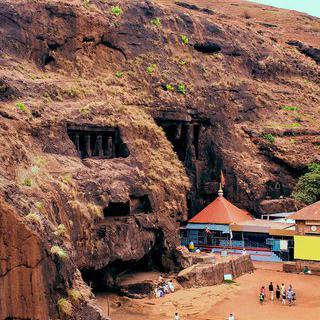 대자연의 신비가 펼쳐지는 곳, '로나발라' 동굴 투어 즐기기