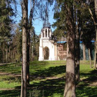 휴식하기 좋은 한적한 숲길, Shuvalovskiy park 산책하기