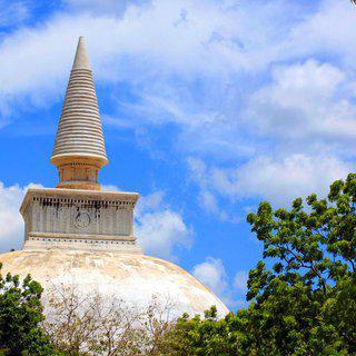 스리랑카 '폴론나루와 유적지'에서 11세기 왕조의 흔적 찾기