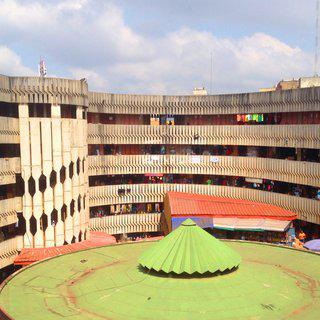 아프리카의 살기 좋은 도시, '야운데'에서 도시 기념물 살펴보기