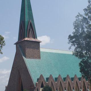 콩고의 수도 '브라자빌'에서 오랜 역사의 성당 돌아보기