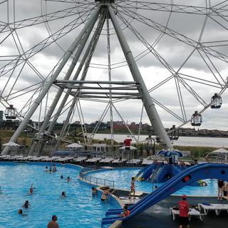 러시아의 즐거움이 모여 있는 'Riviera Aquapark'에서 물놀이하기
