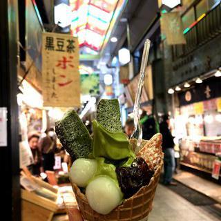 교토의 부엌, '니시키 시장'에서 먹거리 즐기기