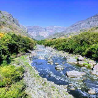 신비로운 협곡 폭포의 비밀, 'Barranca de Huentitán National Park'에서 하이킹하기