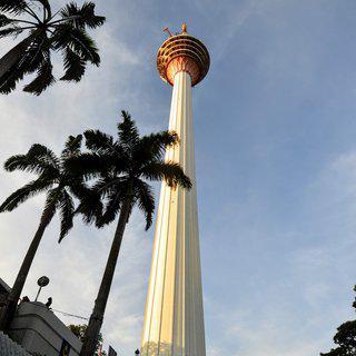 아찔한 유리 바닥 위에서 남기는 인생샷! 쿠알라룸푸르 타워에서 사진찍기