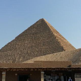 고대 과학과 예술이 묻어나는 기자의 대피라미드에서 문화유산 감상하기