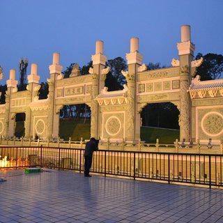 중국 북부의 궁전 스타일로 탄생시킨 'Wenwu Temple'에서 여행하기