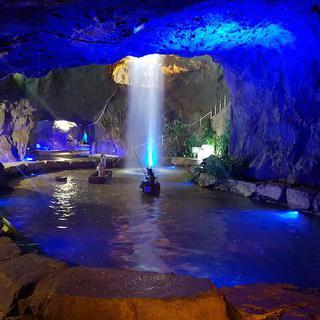화려한 보랏빛 동굴, '언양자수정동굴나라'에서 동굴 탐험하기