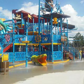 가족들을 위한 놀이공원, 말리부 노크로스에서 고카트 타기