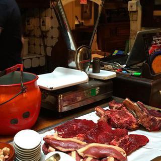 보르도의 전통을 담은 'La Tupina'에서 거위 요리 맛보기