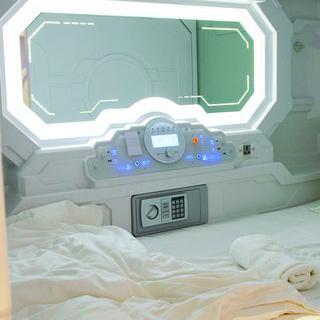 아늑한 캡슐 호텔, 'Jucy Snooze'에서 하룻밤 보내기