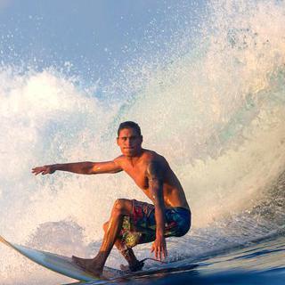 파도 위의 질주, '아가디르 해변'에서 서핑하기
