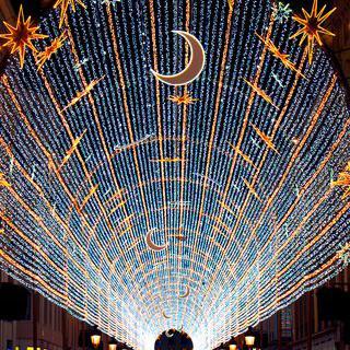 쏟아질 듯 춤추는 불빛, 'Malaga Christmas Lights' 감상하기